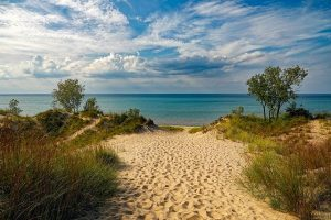 Beach in Indiana Dunes state park.