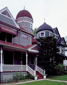 Old houses in Chicago that deserve to be mentioned in any guide through Chicago.
