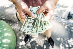 Money Hands - Cost-effective storage tips